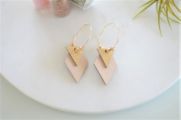 boucles brillantes beige
