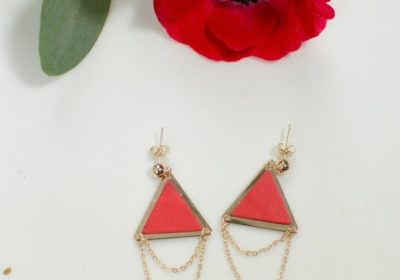 Boucles d'oreilles LES ATTACHANTES dorées à l'or 18 carats – Différents coloris au choix