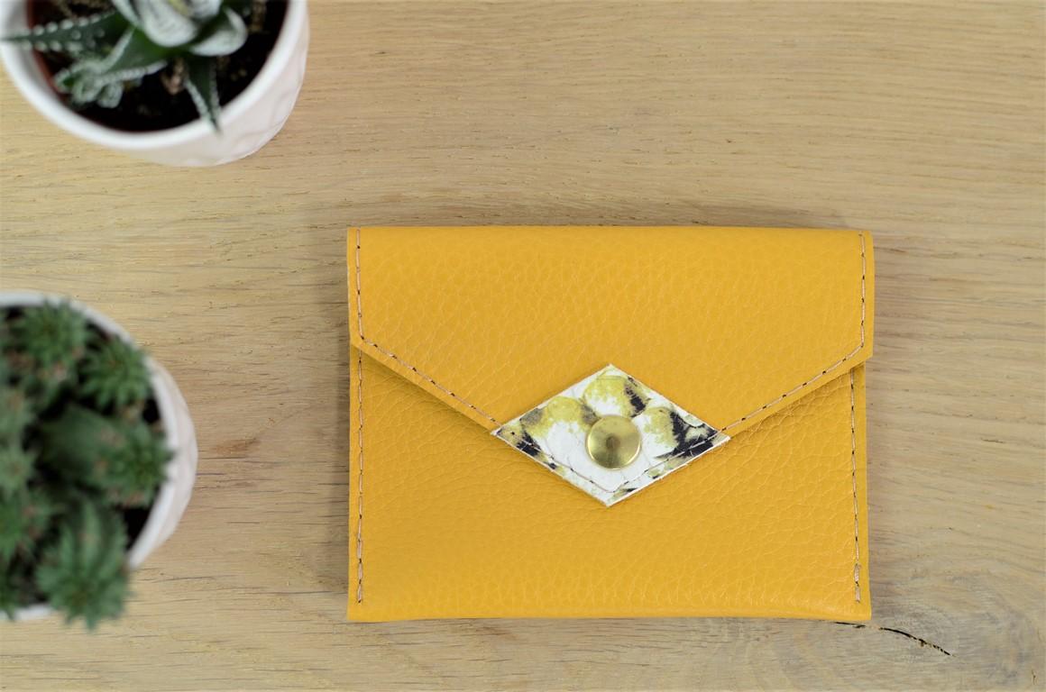 porte monnaie porte cartes jaune amand maroquinerie. Black Bedroom Furniture Sets. Home Design Ideas