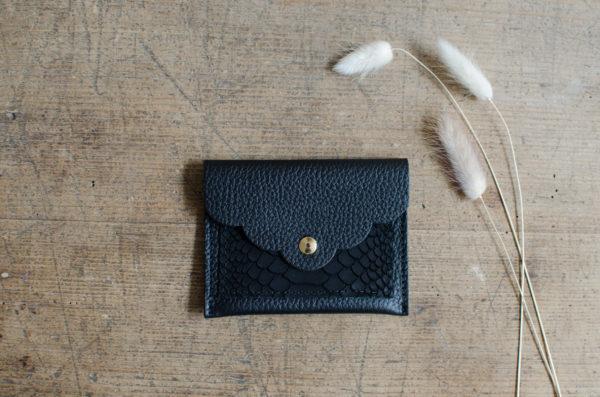 pochette petale atelier amand noir