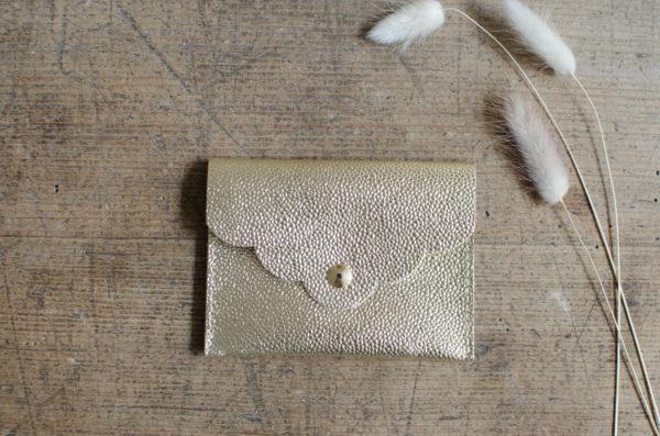 pochette petale or atelier amand