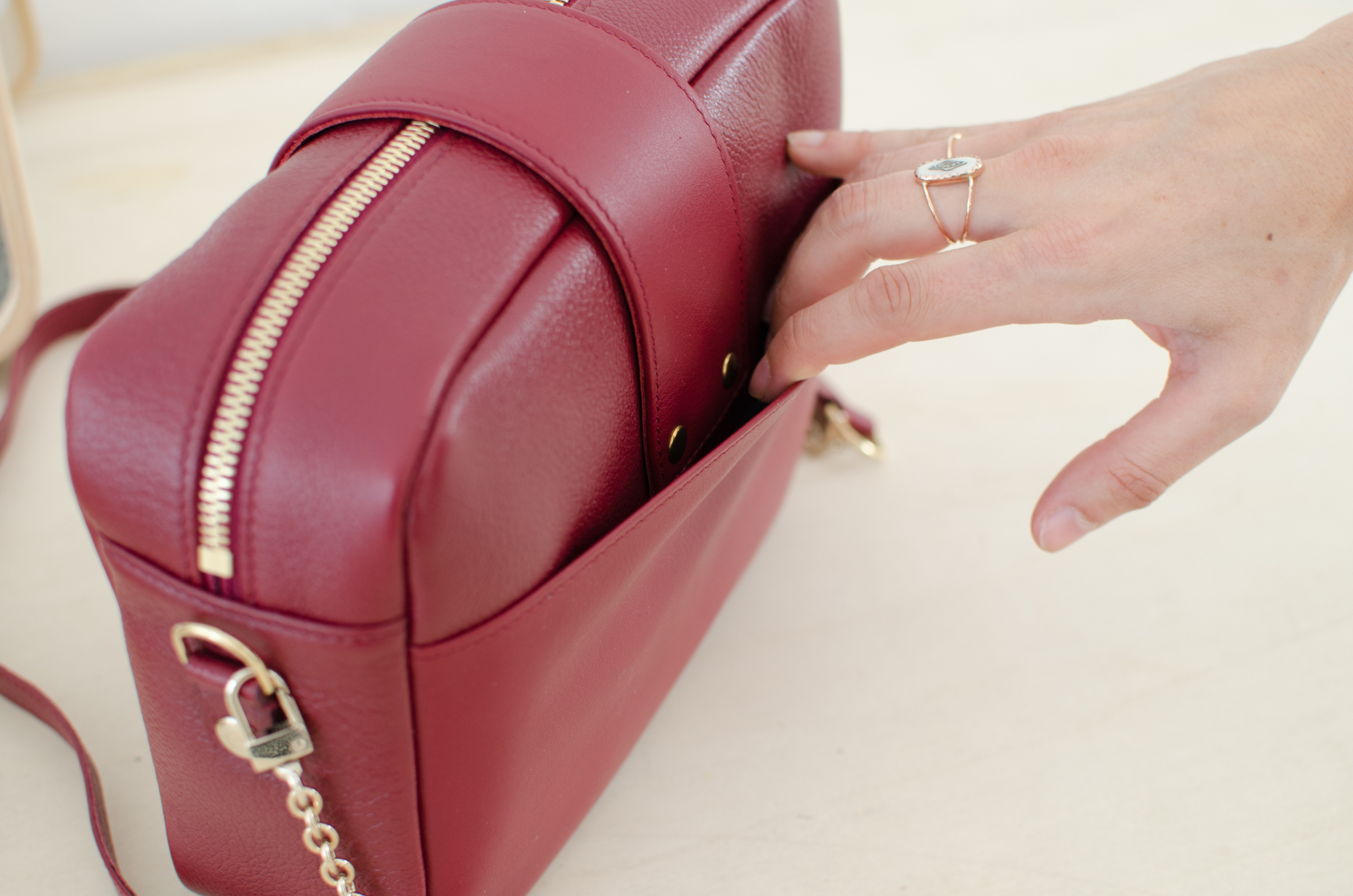 sac atelier amand divin cramberry 3