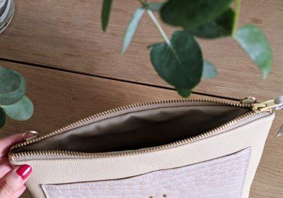 pochette atelier amand blanc (Copier)