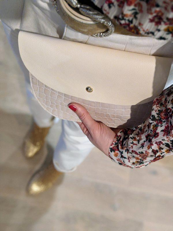 Pochette arrondie en cuir – différents coloris